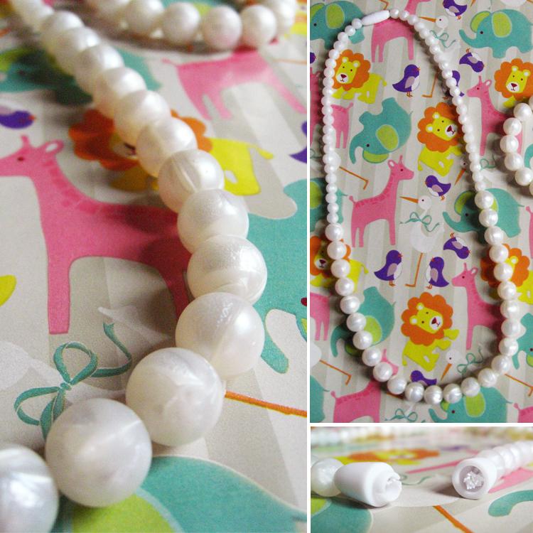 beabies_teething_jewelry_closeup_pearls_bpafree